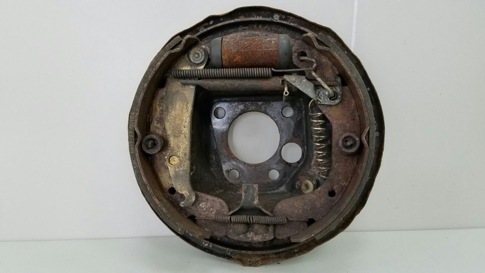 Механизм развода колодок ручника Opel Vectra A 86_ C18NZ 1.8Л 1992г задний правый