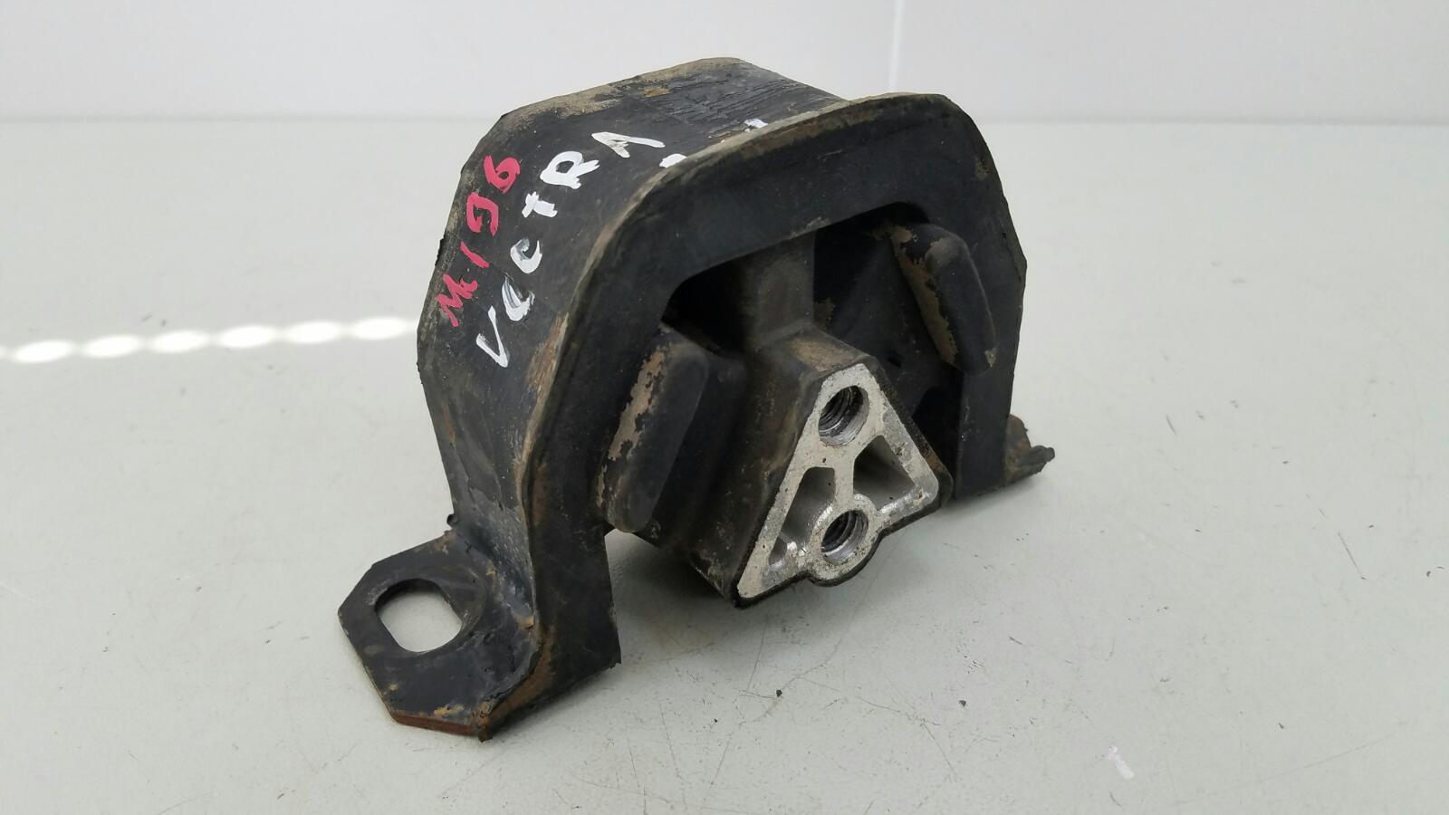 Подушка двигателя двс Opel Vectra A 86_ C18NZ 1.8Л 1992г