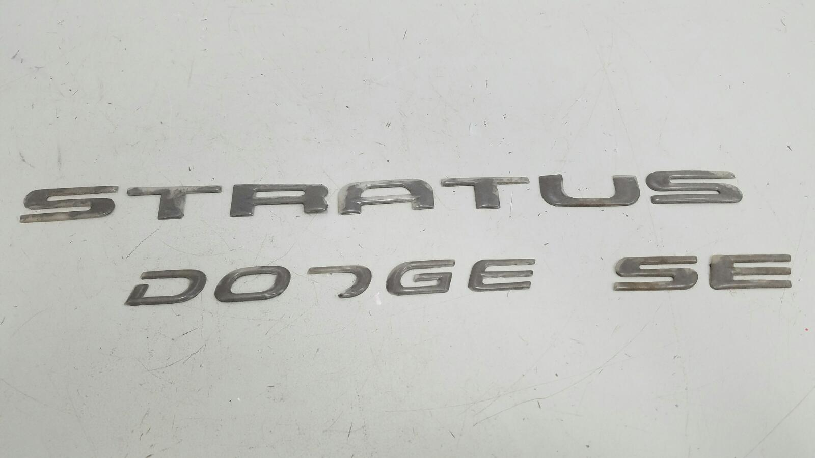 Эмблема Dodge Stratus STX EDS 2002