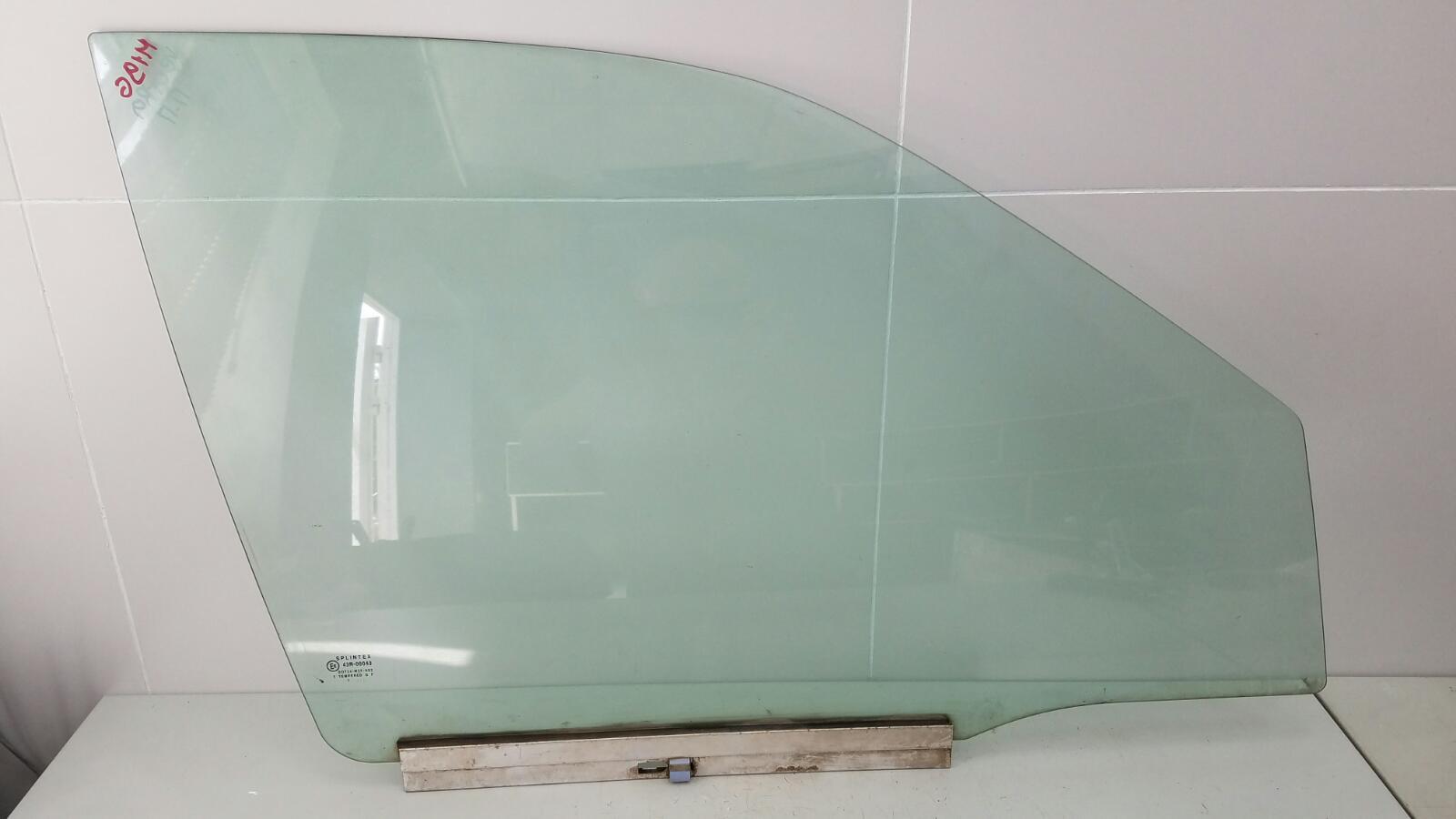 Стекло двери Opel Vectra A 86_ C18NZ 1.8Л 1992г переднее правое