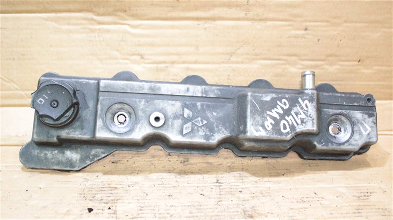 Клапанная крышка Mitsubishi Canter 4M40