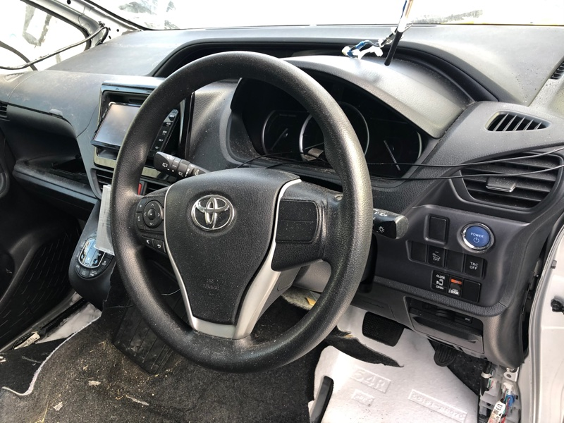 Airbag водительский Toyota Noah ZWR80 2ZR-FXE 2014