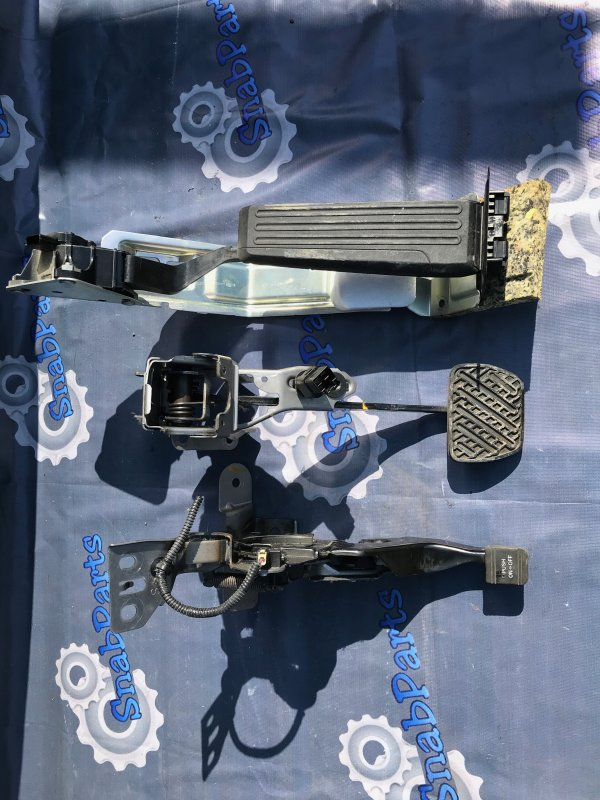 Педаль ручника Nissan Fuga PNY50 VQ35HR 2008