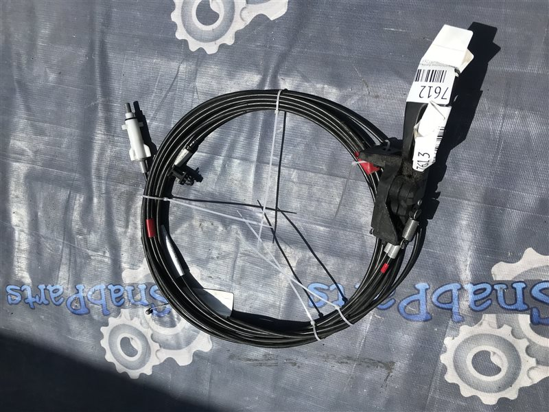 Тросик лючка бака Toyota Premio ZRT265 2ZR-FAE 2012