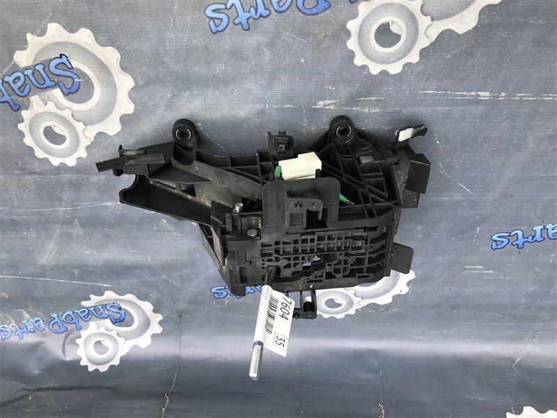 Селектор акпп Toyota Premio ZRT265 2ZR-FAE 2012