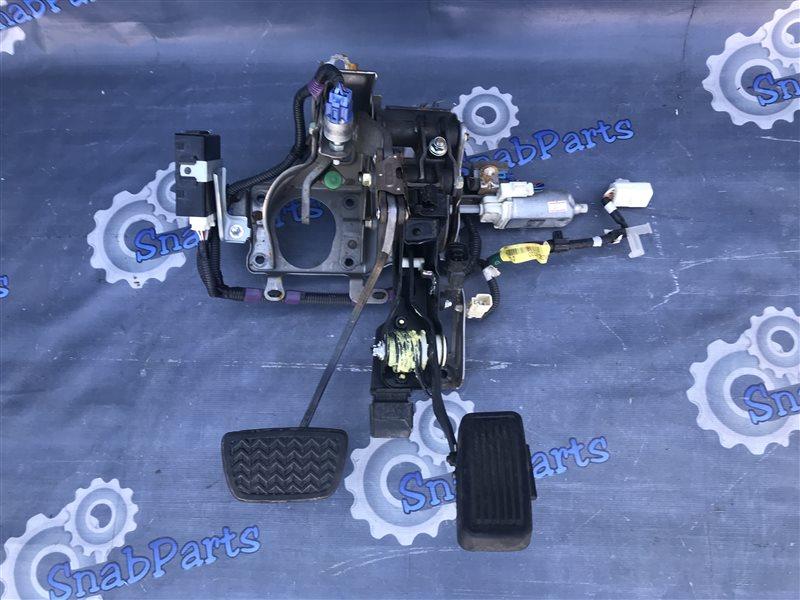 Педаль тормоза Toyota Brevis JCG11 2JZ-FSE 2004