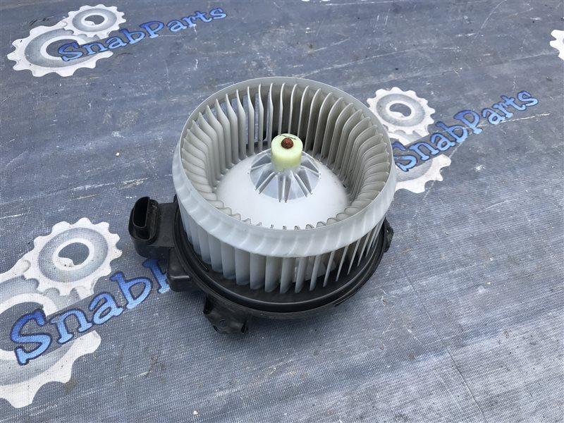 Мотор печки Toyota Prius ZVW30 2ZR-FXE 2010