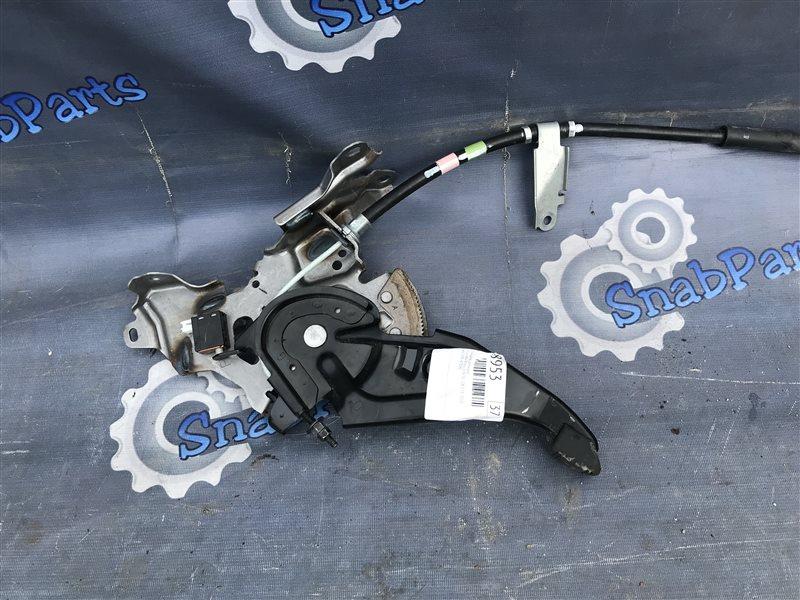 Педаль ручника Toyota Prius ZVW30 2ZR-FXE 2010