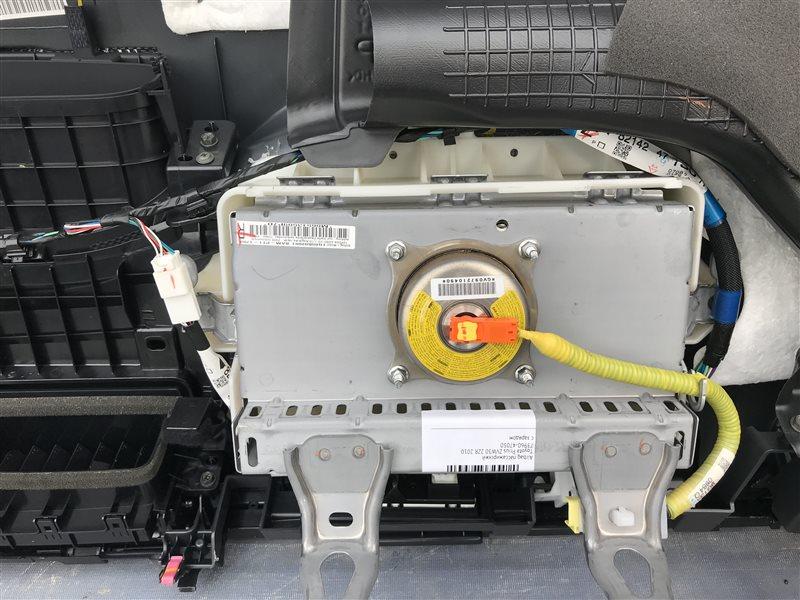 Airbag пассажирский Toyota Prius ZVW30 2ZR 2010