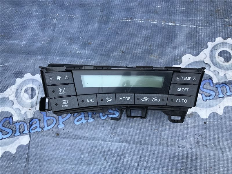 Блок климат-контроля Toyota Prius ZVW30 2ZR 2010