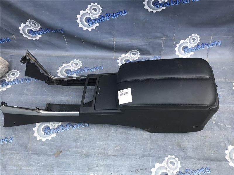 Бардачок между сиденьями Nissan Fuga PNY50 VQ35HR 2009