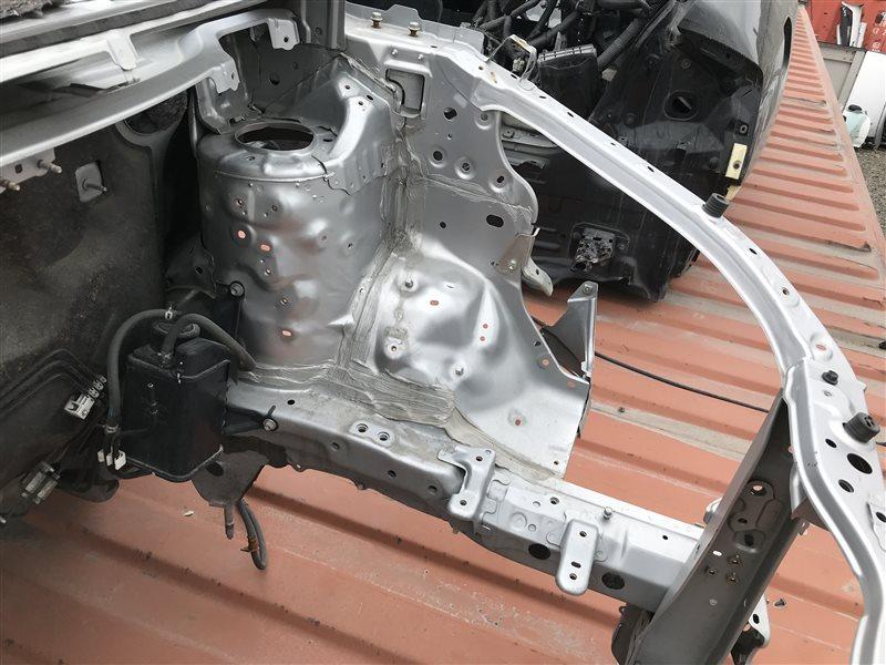 Лонжерон Toyota Noah ZWR80 2ZR-FXE 2014 левый
