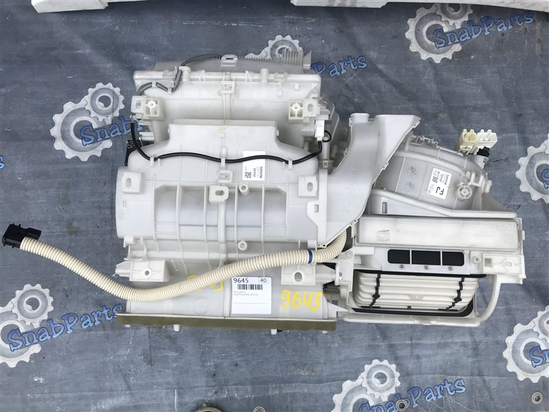 Печка салона Toyota Prius ZVW30 2ZR-FXE 2010