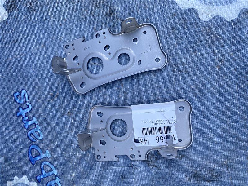 Крепление магнитофона Toyota Premio ZRT265 2ZR-FE 2008