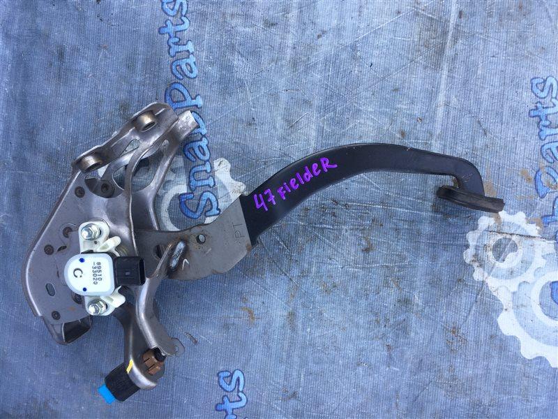 Педаль тормоза Toyota Fielder NKE165G 1NZ-FXE 2014