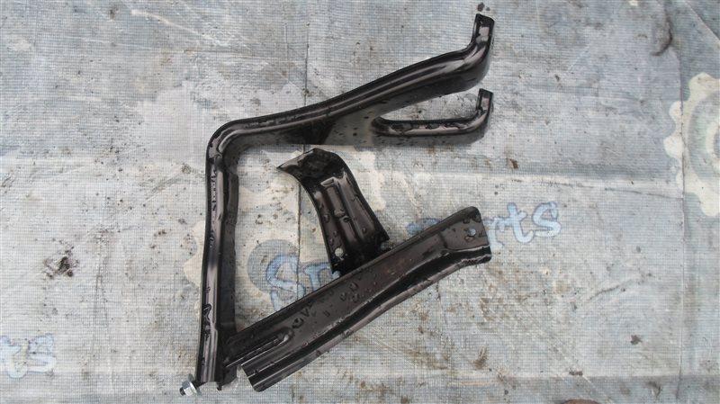 Крепление аккумулятора Toyota Fielder NKE165G 1NZ-FXE 2014
