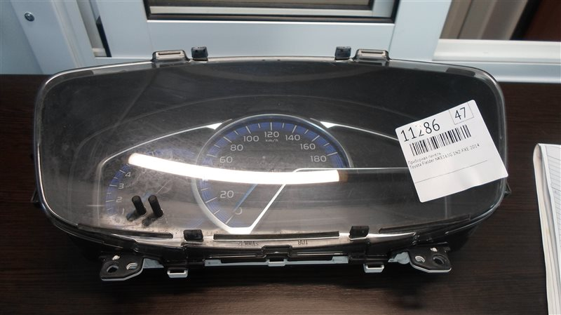 Приборная панель Toyota Fielder NKE165G 1NZ-FXE 2014