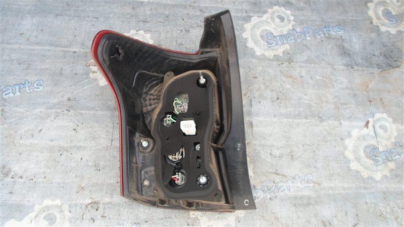 Стоп-сигнал Toyota Fielder NKE165G 1NZ-FXE 2014 правый