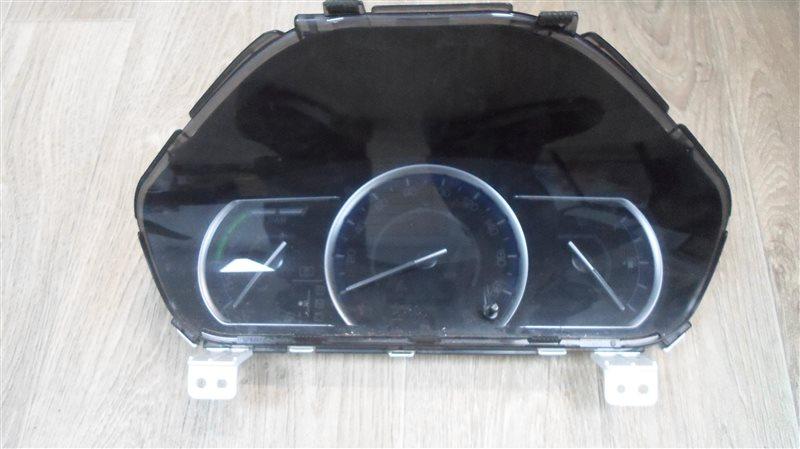 Приборная панель Toyota Noah ZWR80 2ZR-FXE 2014