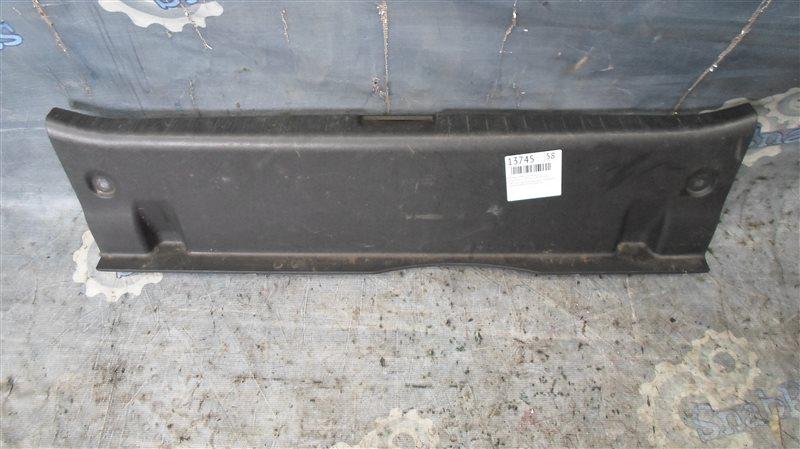 Накладка замка багажника Toyota Premio ZRT265 2ZR-FE 2008