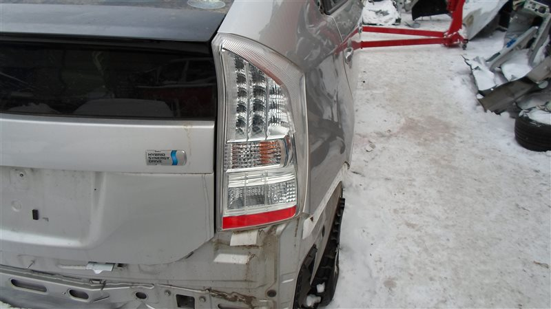 Стоп-сигнал Toyota Prius ZVW30 2ZR-FXE 2010 задний правый