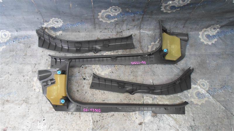 Накладка на порог салона Toyota Prius ZVW30 2ZR-FXE 2010