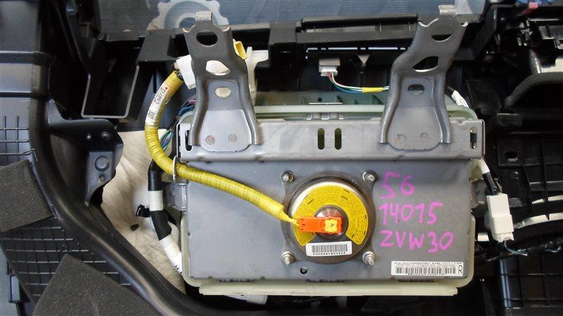 Airbag пассажирский Toyota Prius ZVW30 2ZR-FXE 2010