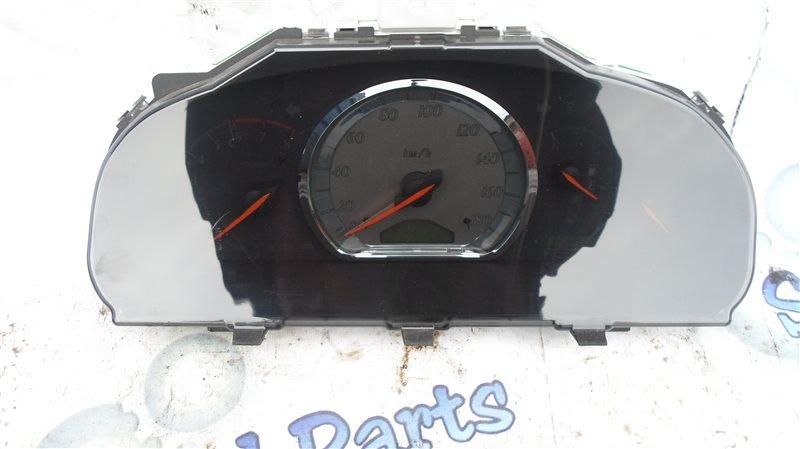 Панель приборов Toyota Brevis JCG11 2JZ-FSE 2005