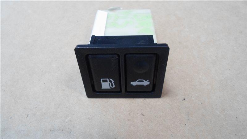 Кнопка открывания багажника Toyota Brevis JCG11 2JZ-FSE 2005
