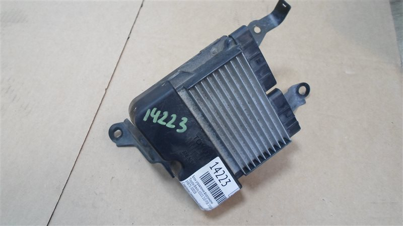 Блок управления форсунками Toyota Brevis JCG11 2JZ-FSE 2005