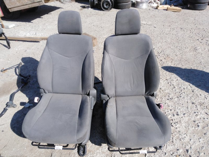 Сидение Toyota Prius ZVW30 2ZR-FXE 2010 переднее правое