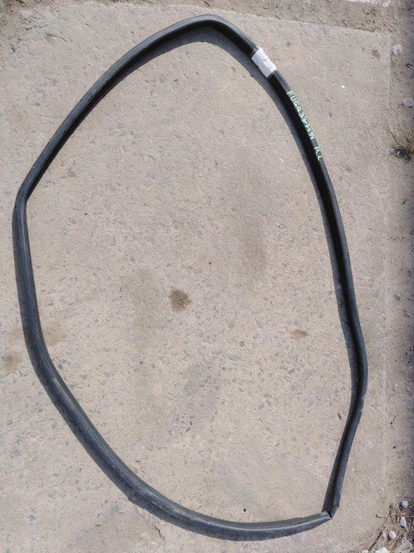 Уплотнительная резинка двери Nissan Fuga PNY50 VQ35HR 2009 задняя левая
