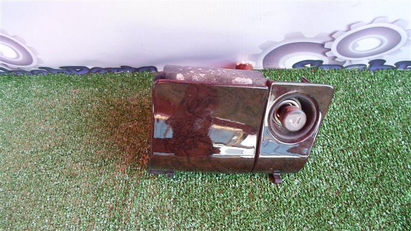 Пепельница Toyota Mark 2 JZX90 1JZ-GE 1994