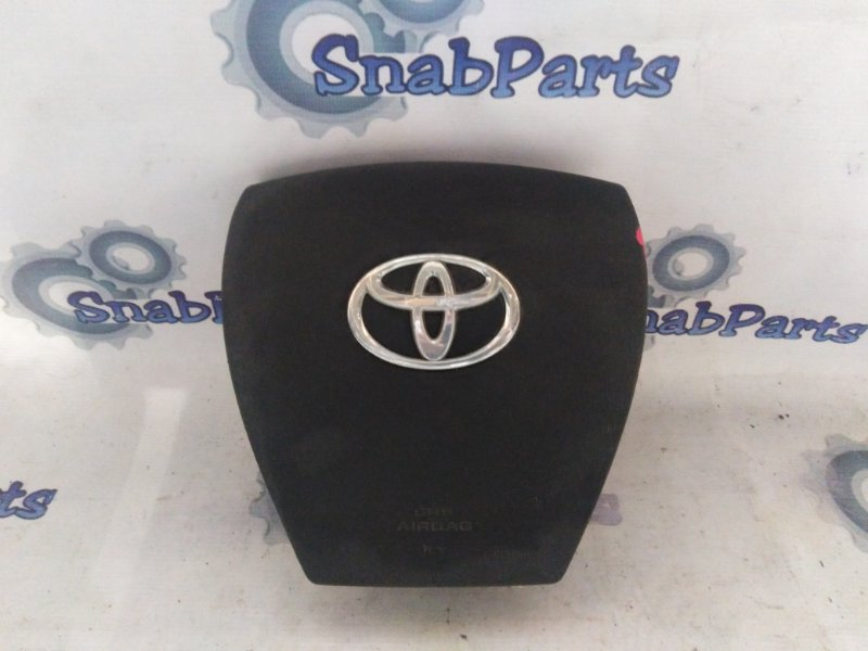 Airbag водительский Toyota Aqua NHP10 1NZFXE 2012