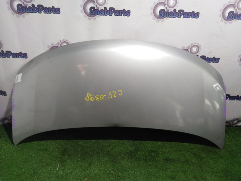 Капот Nissan Serena C25