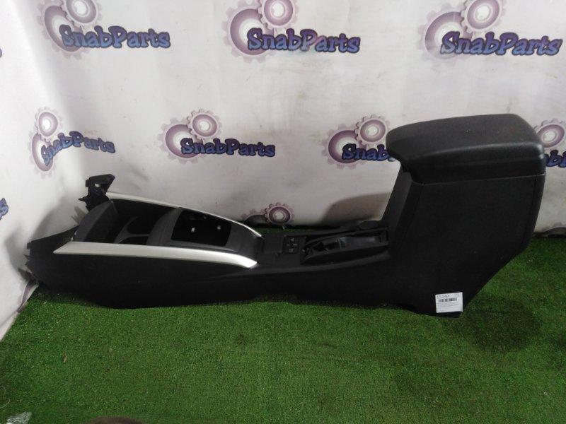 Бардачок между сиденьями Toyota Fielder NKE165G 1NZ-FXE 2013