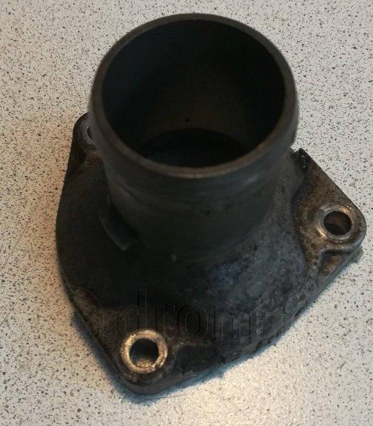 Крышка термостата Nissan Altima L30 KA24DE