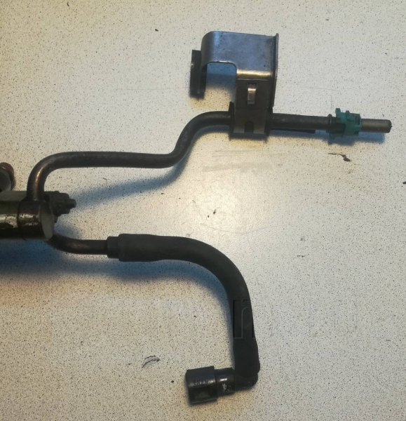 Трубка топливная Honda Mdx RR3 J30A