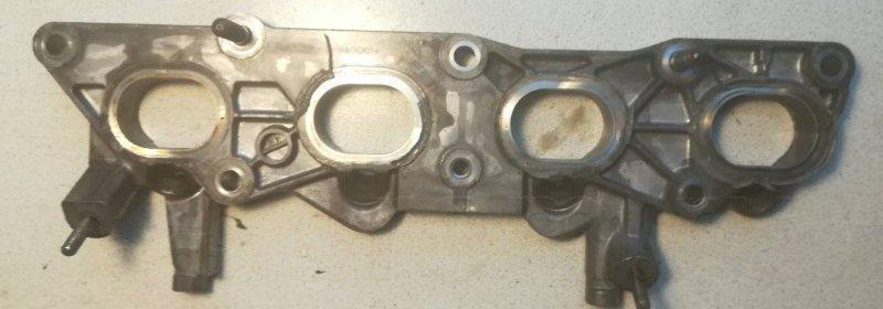 Крепление коллектора впускного Honda Civic Ferio ES2 D17A2