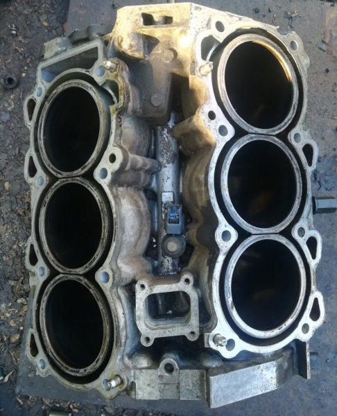 Блок цилиндров Nissan Teana PJ31 VQ35DE
