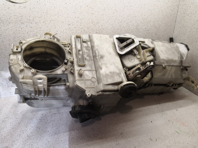 Корпус печки Toyota Mark JZX90 1JZGE
