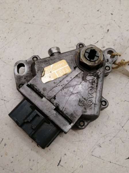 Датчик положения селектора акпп Lexus Es300 MCV10 1MZFE