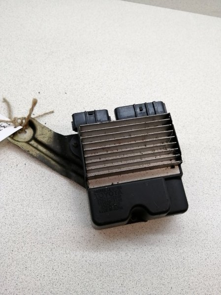 Блок управления форсунками Toyota Avensis AZT251 2AZFE
