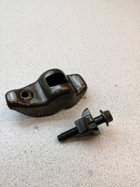 Рокер клапана Ford Focus DAW SPLIT PORT 2.0