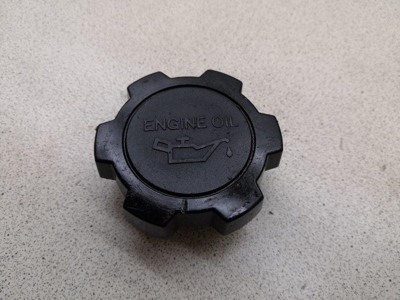 Крышка маслозаливной горловины Toyota Camry SV30 4SFE