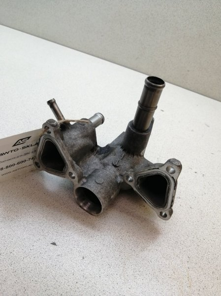Патрубок системы охлаждения Lexus Is250 GSE30 4GRFSE