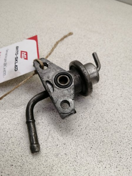 Регулятор давления топлива Honda Stepwgn RF1 B20B