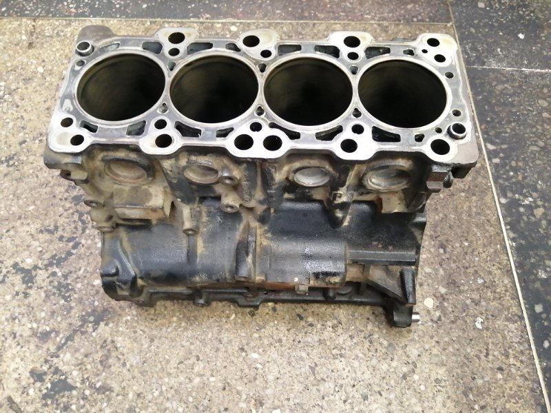 Блок цилиндров Mitsubishi Grandis NA4W 4G69