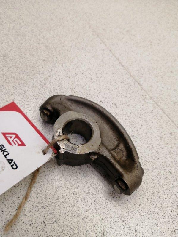 Рокер клапана Nissan Elgrand ALE50 VG33E