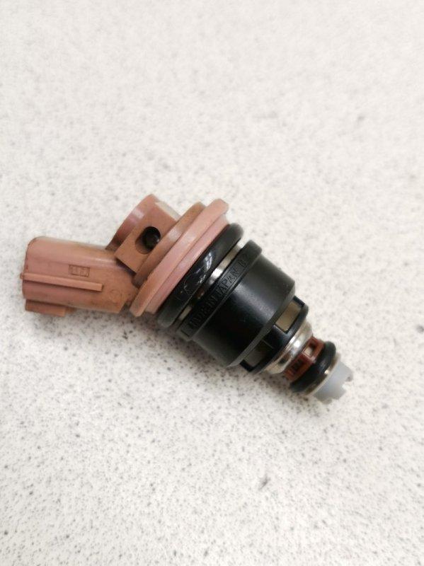 Форсунка топливная Nissan Cedric MY33 VQ25DE
